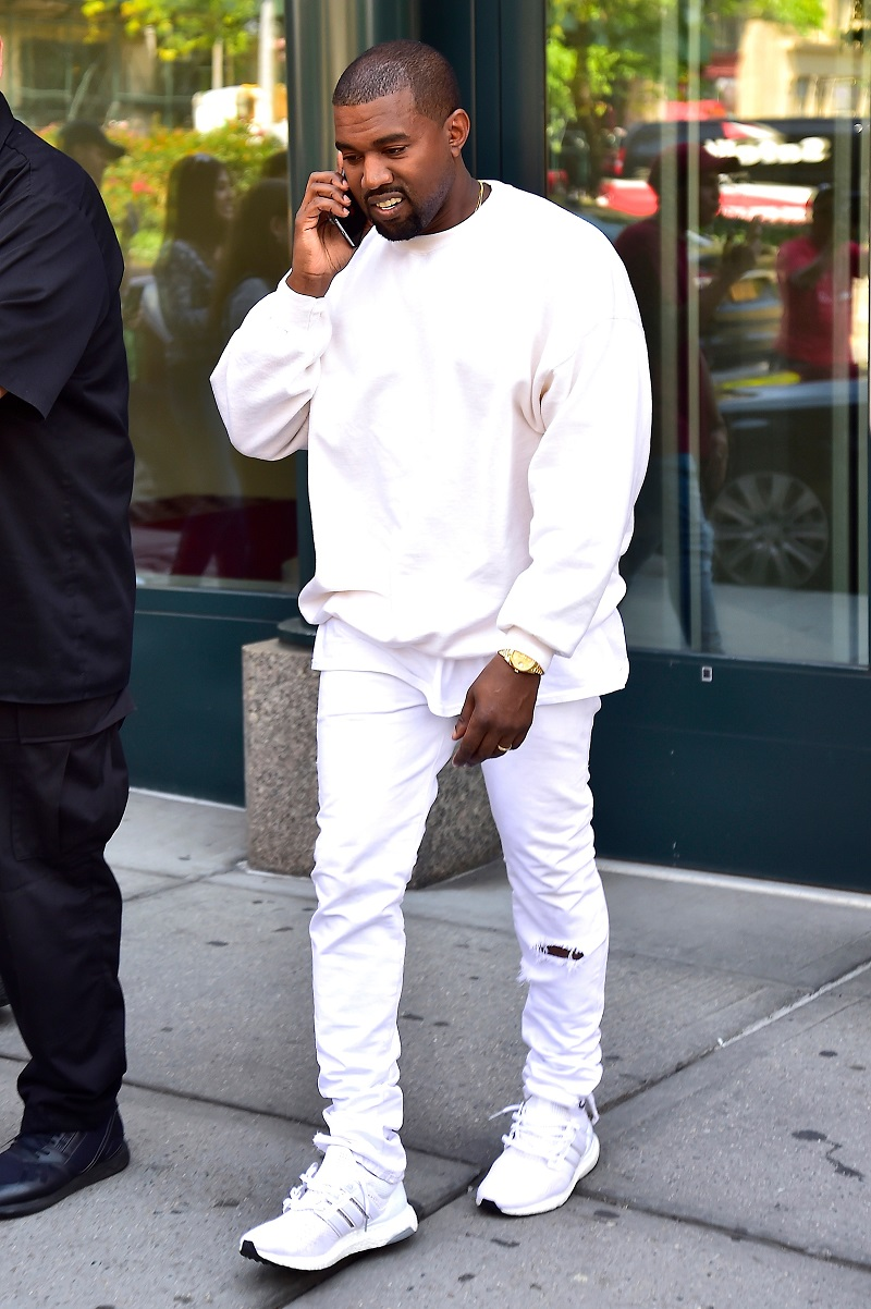 kanye-west-white-outfit-adidas-ultraboost