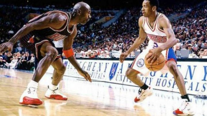 The-Reebok-Question-Allen-Iverson-White_Red-in-Alle-Iverson-The-Answer