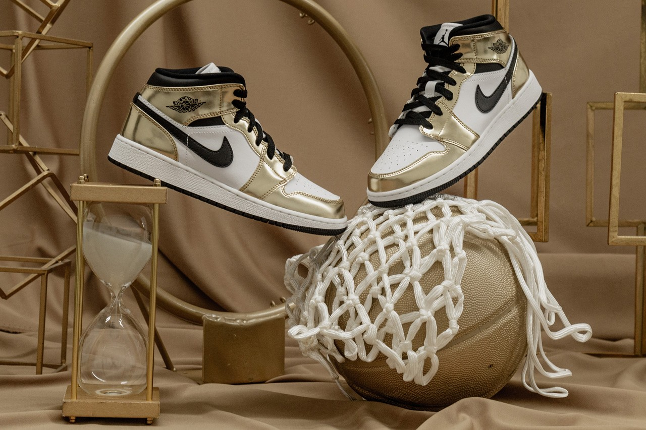 "Jordan 1 Mid ""Metallic Gold"""