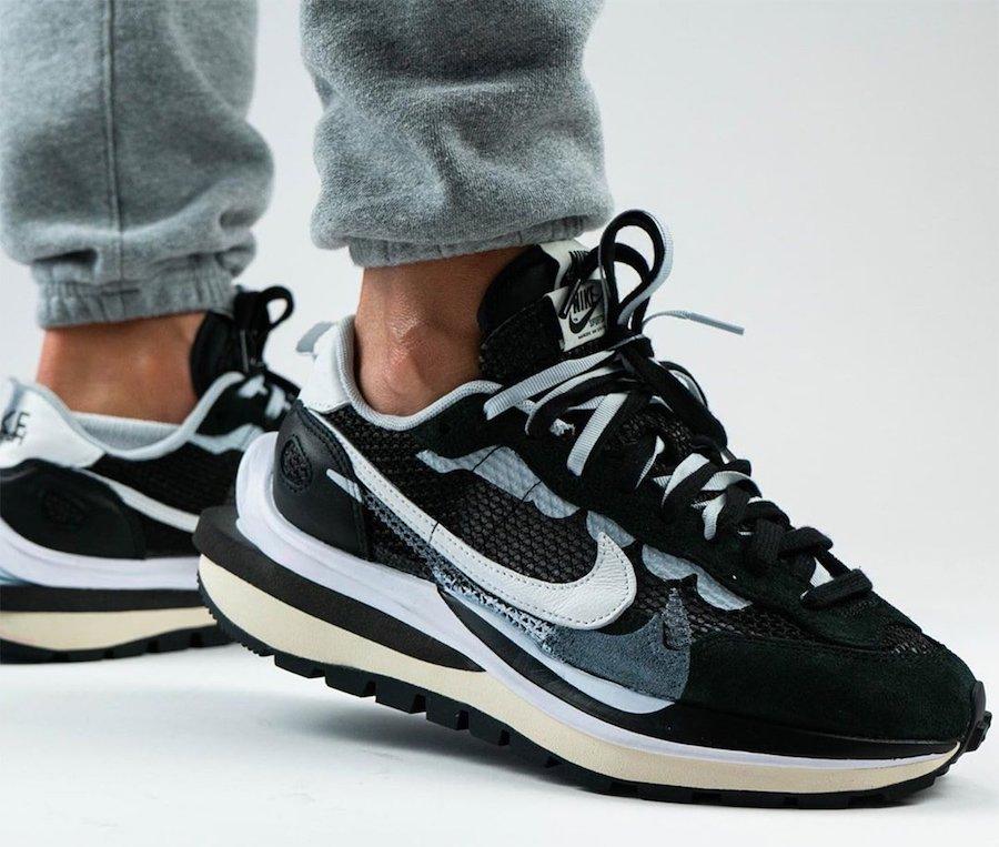 "Nike Sacai Vaporwaffle ""Black"""