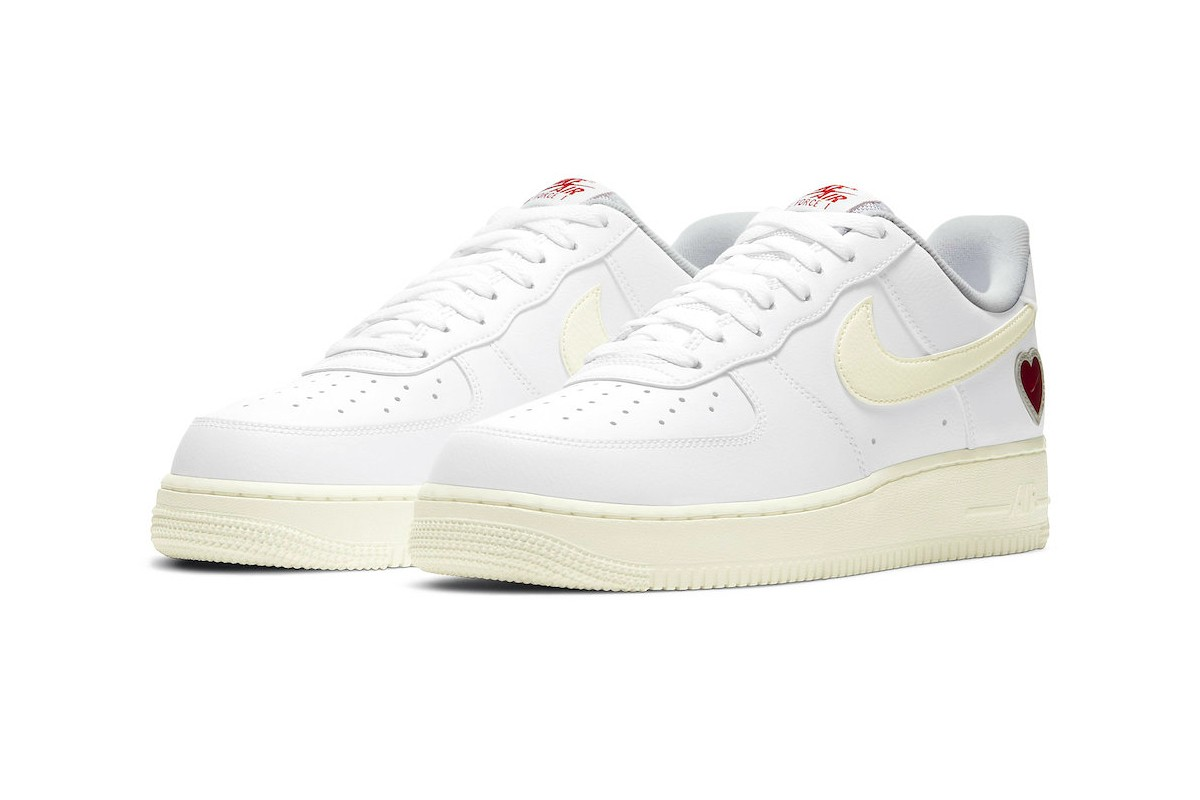 """Nike's Air Force 1 """"Valentine's Day"""""""