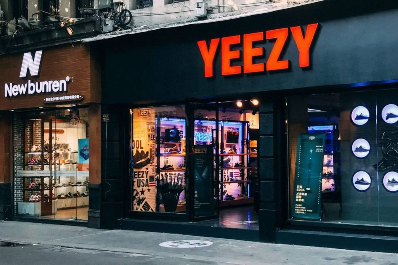 hamis-cipo-yeezy-store-kina